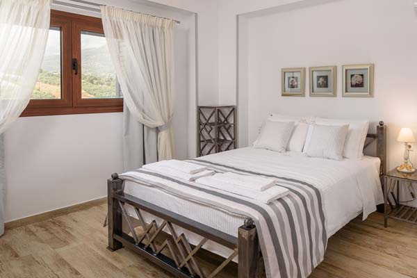 ostria villa accommodation zakynthos